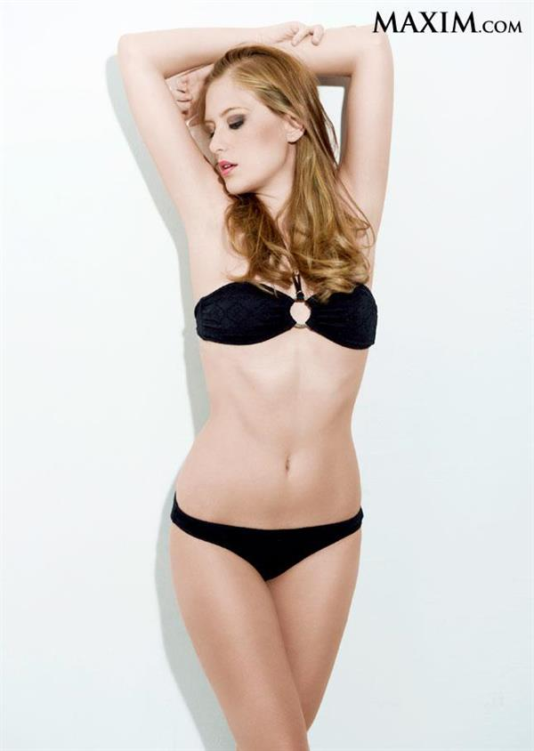 Sara Ferroni in a bikini
