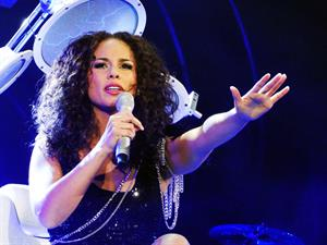 Alicia Keys performs live on stage at the Allstate Arena in Rosemont on March 3, 2010