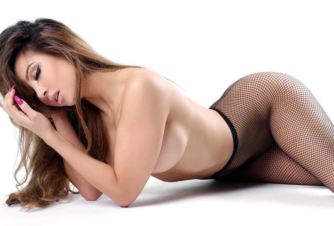 dannie riel nude pictures