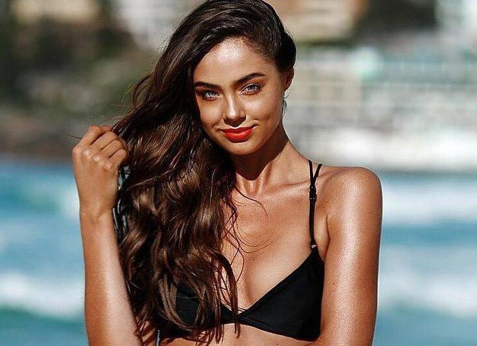 Elouise Morris in a bikini