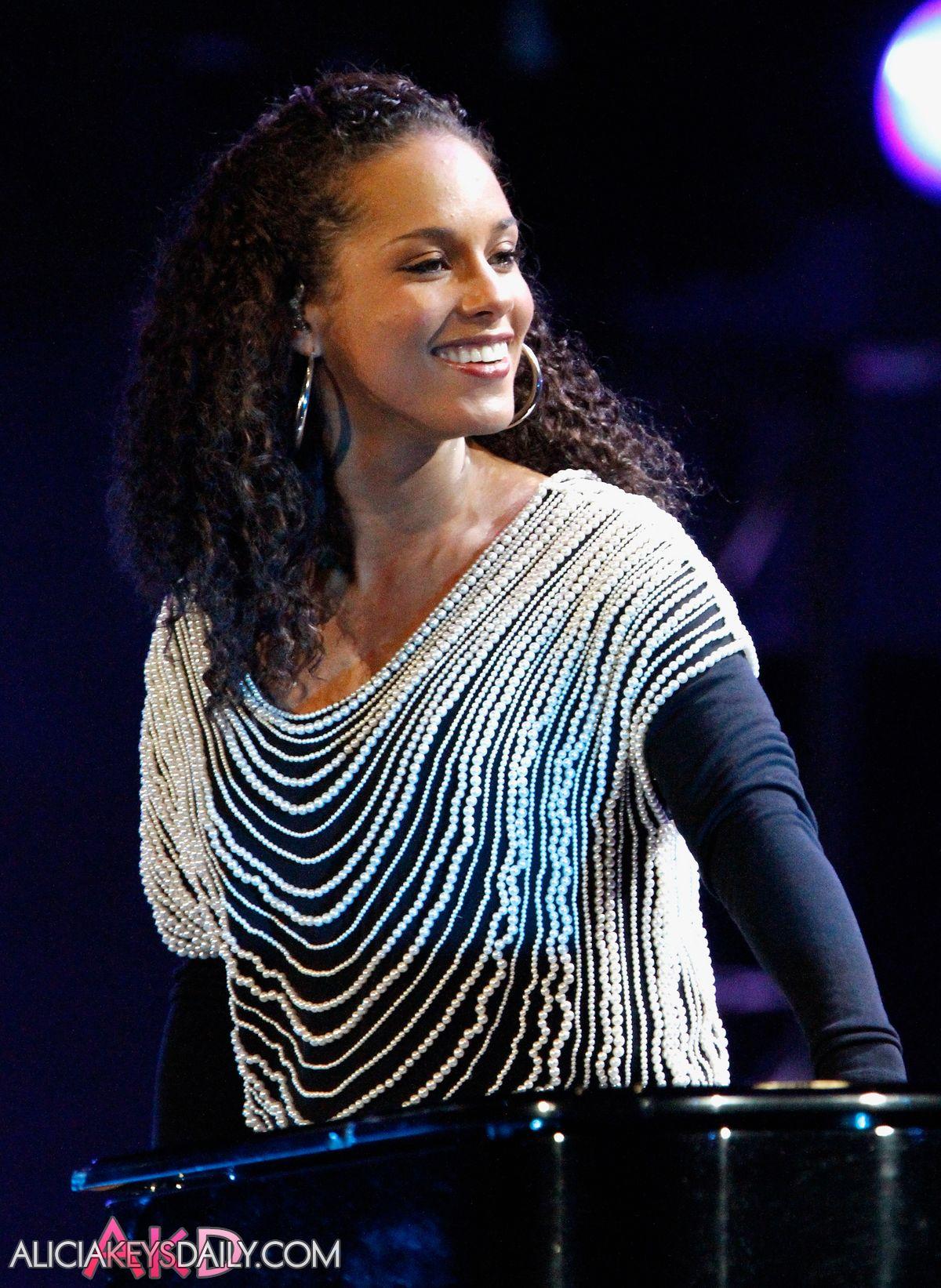 Alicia Keys World Cup Kick Off Celebration Concert on June 10, 2010