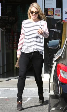 Ali Larter at the dog groomers in Los Angeles 10/22/13