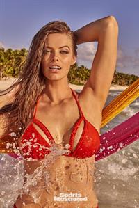 Robyn Lawley for Sports Illustrated Swimsuit Edition 2017