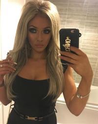 Danielle Coppell taking a selfie