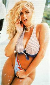 Anna Nicole Smith in a bikini