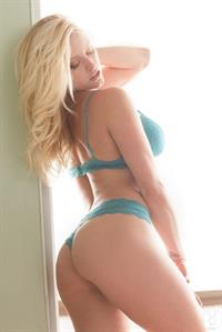 Kari Nautique in lingerie - ass