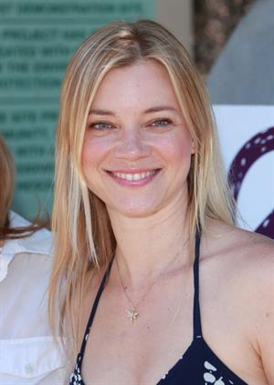Amy Smart Environmental Media Assoc Organic Garden Lunch in Los Angeles on May 26, 2010