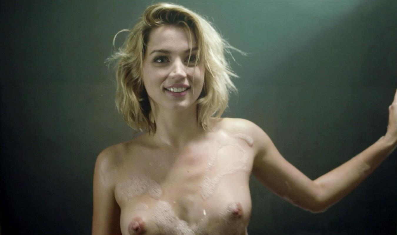 Ana de armas sex in a bath tub in por un punado de besos - 3 part 4