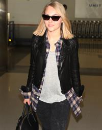 AnnaSophia Robb – at LAX Airport 1/12/13