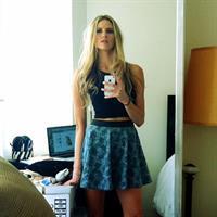 Kelly Thomas taking a selfie