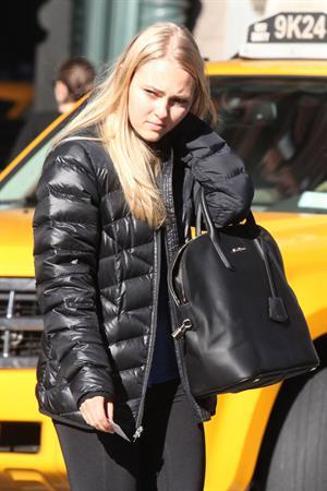 AnnaSophia Robb walking to the subway in Soho 11/11/12