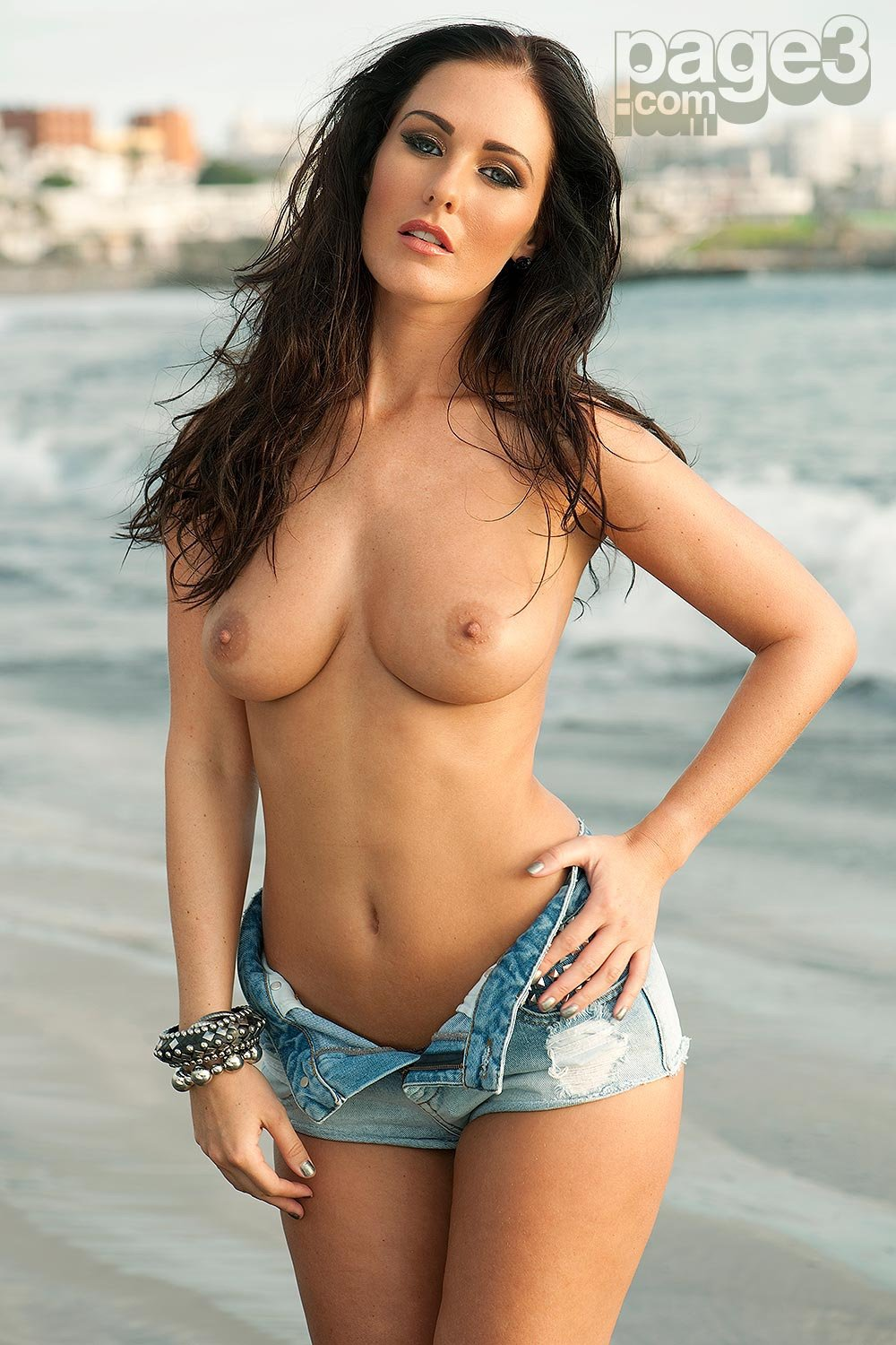Amii Grove Nude Pics amii grove nude pictures. rating = 9.38/10