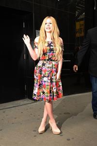 "Avril Lavigne – ""Good Morning America"" NYC 11/5/13"