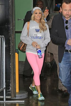 "Carrie Underwood ""Good Morning America"" departure candids in New York, November 1, 2013"