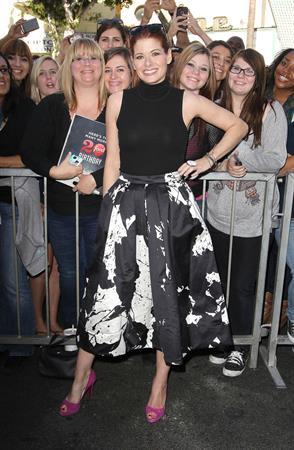 Debra Messing Mariska Hargitay Honored With Star On The Hollywood Walk Of Fame in Hollywood, Nov. 8, 2013
