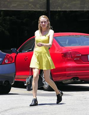 Diane Kruger Arrives at the Oaks Gourmet in Los Feliz on June 19, 2013