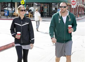 Heidi Klum Spotted leaving the gym and grabbing Starbucks in Brentwood (November 14, 2012)