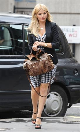 Holly Willoughby - Ivy Restaurant, London - July 18, 2012