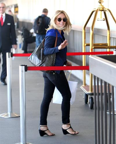 Jane Krakowski arrives at LAX Airport - September 24, 2012