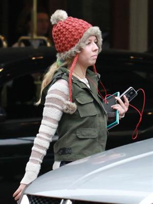 Jennette McCurdy out and about in Vancouver 10/9/12