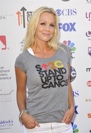 Jennie Garth - Stand Up To Cancer benefit in Los Angeles - September 7, 2012