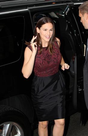 Jennifer Garner arrives at Good Morning America in NYC (Aug 15 2012)