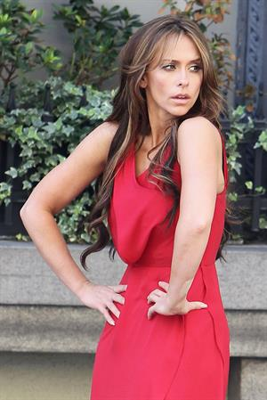 Jennifer Love Hewitt Filming on the set of  The Client List  in Los Angeles (October 26, 2012)