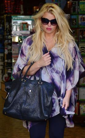 Jessica Simpson leaves Mickey Fine Pharmacy after a Dr's visit in Beverly Hills