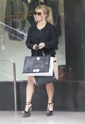 Jessica Simpson Outside Saks Fifth Avenue with a friend in Beverly Hills (October 20, 2012)
