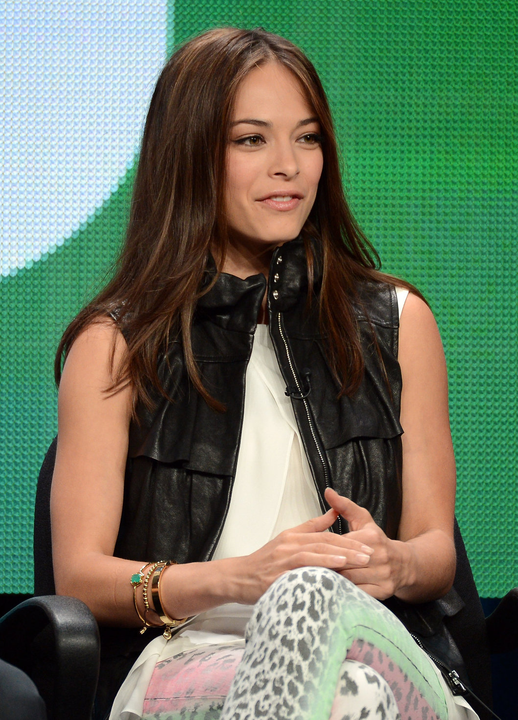 31 Nude Pictures Of Kristin Kreuk Which Make Certain To Prevail Upon Your Heart   Best Of Comic