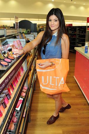 Kylie Jenner Ulta Beauty in West Hollywood 9/13/12
