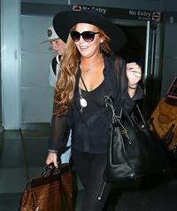 Lindsay Lohan - Arriving in NYC - August 23, 2012