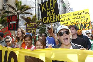 Lucy Lawless - March against mining, Auckland NZ 5/1/10