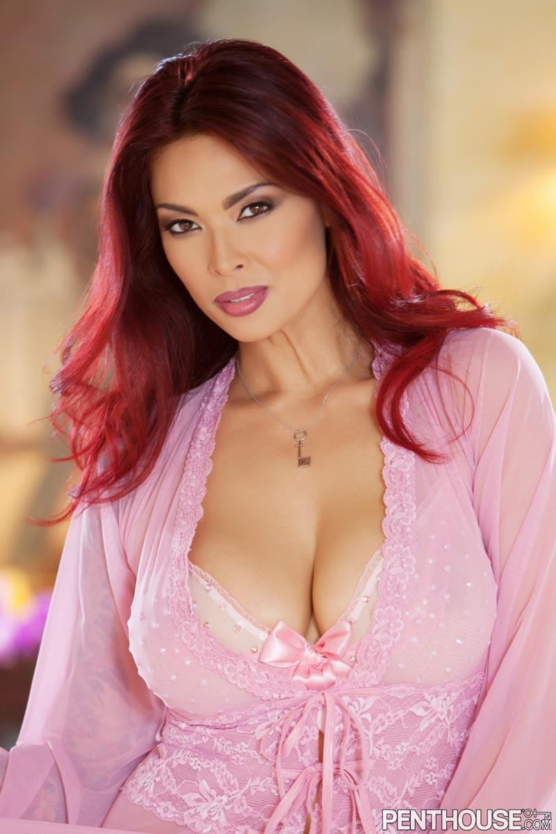 Busty Tera Patrick Spreading The Pink