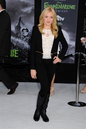 Peyton List Frankenweenie premiere LA 9/24/12