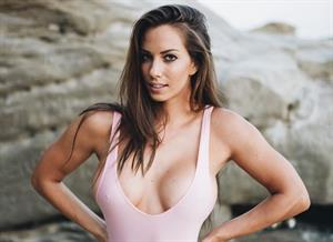 44 Insta-Hot Pics of Janna Breslin