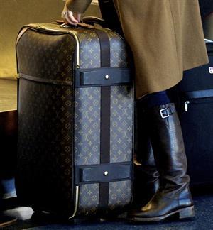 Shiri Appleby departing from LA Airport Sept 30, 2012