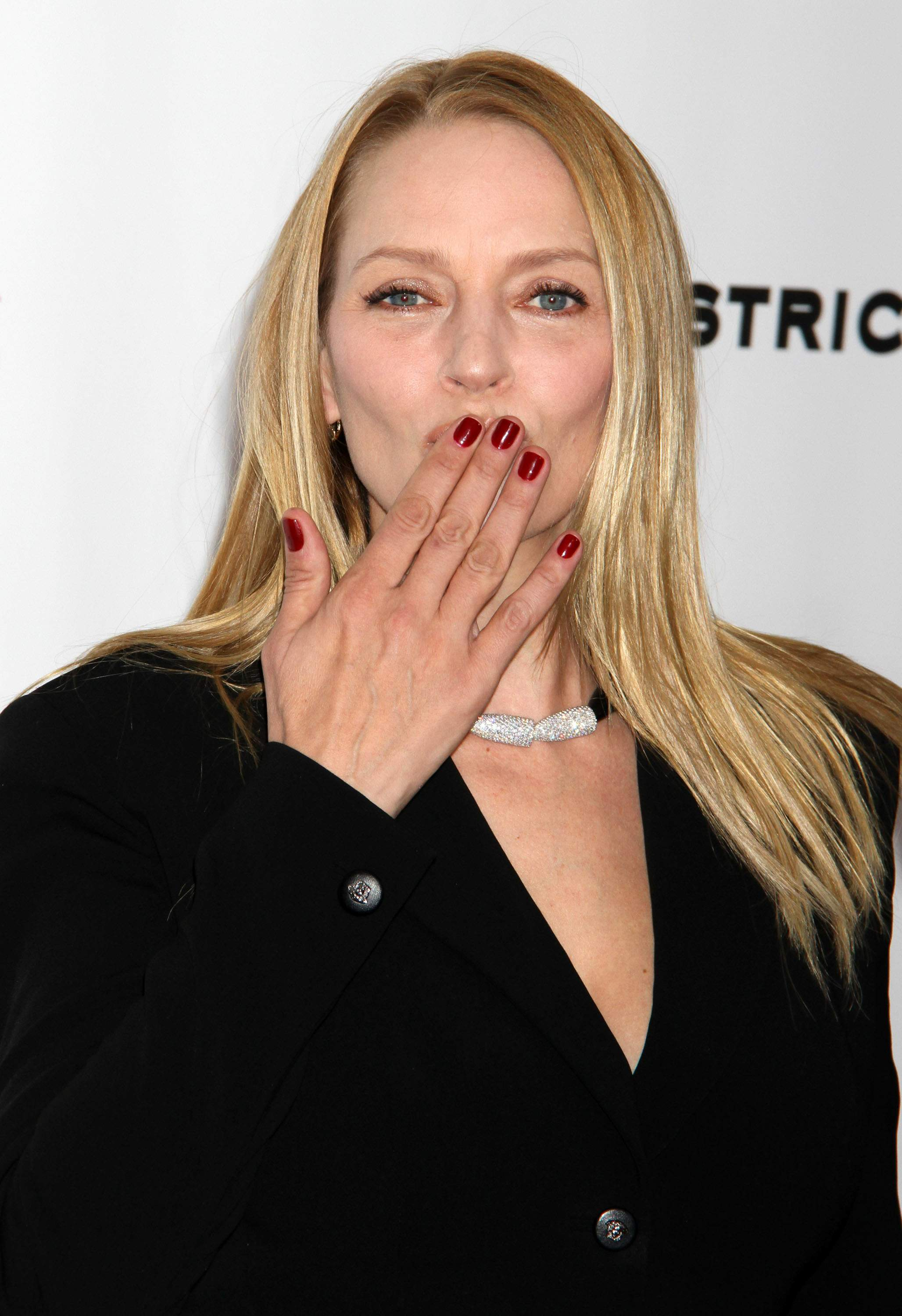 Uma Thurman New York Premiere Of Playing For Keeps Presented By The Cinema Society -8037