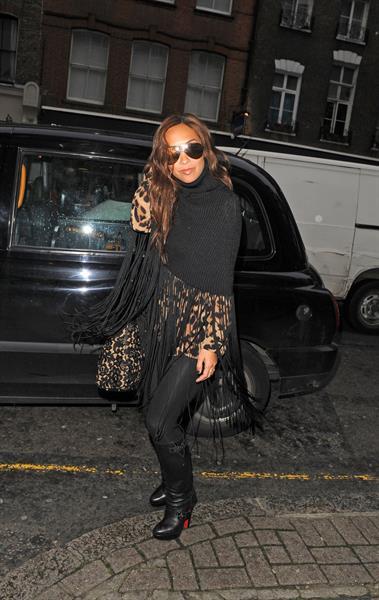 Myleene Klass Leaving The Ivy in London - November 6, 2012