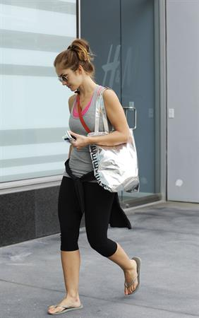 Minka Kelly goes to the gym in los angeles 18 07 12