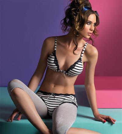 Reka Ebergenyi in lingerie