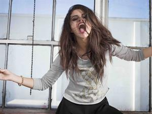 Selena Gomez – Adidas NEO Winter 2013 Shoot 4/29/13