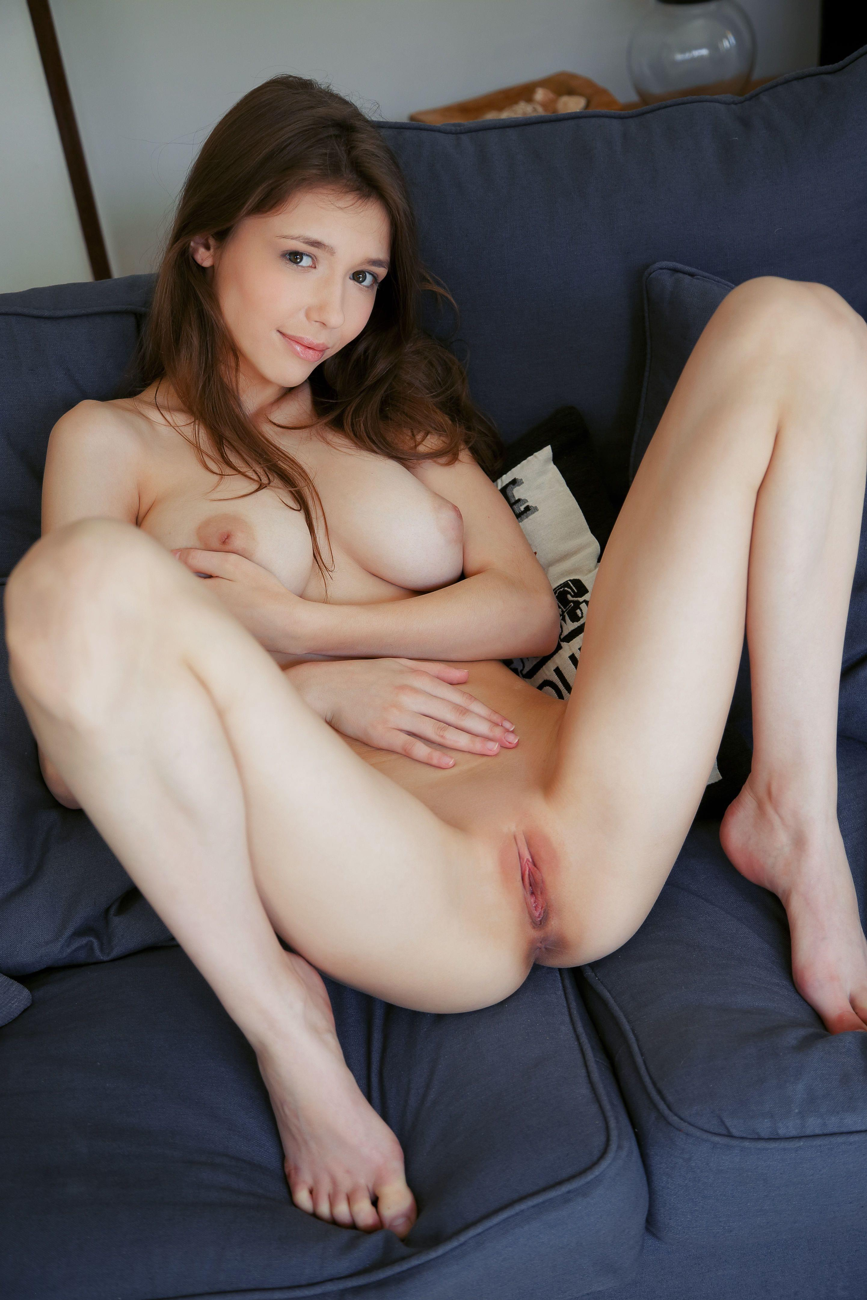 Mila Azul - pussy and nipples