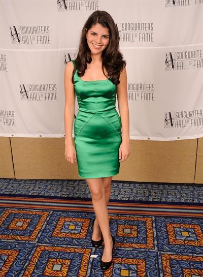 Nikki Yanofsky