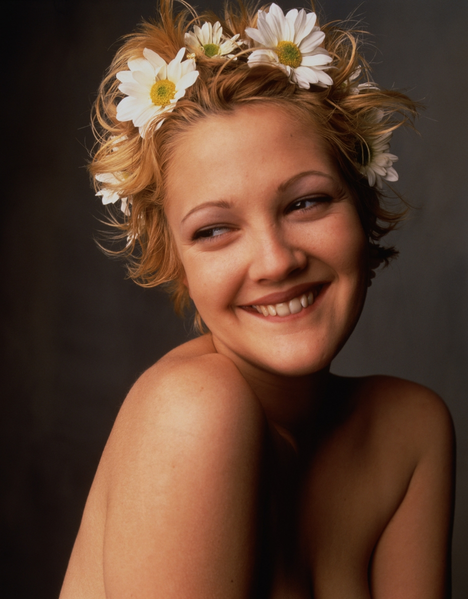 Drew Barrymore Nude - 9 Pictures in an Infinite Scroll
