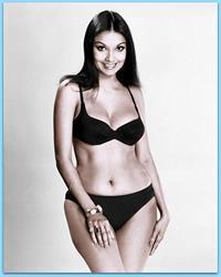 Shakira Caine in a bikini