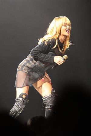 Rihanna performs 'Diamonds World Tour' in Antwerpen (June 5, 2013)
