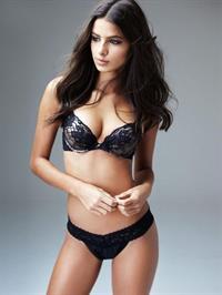 Bruna Lirio in lingerie