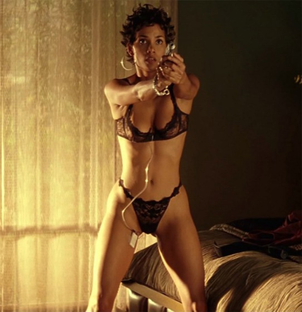 Sexy pictures of halle berry