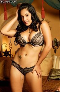 Nina Mercedez in lingerie